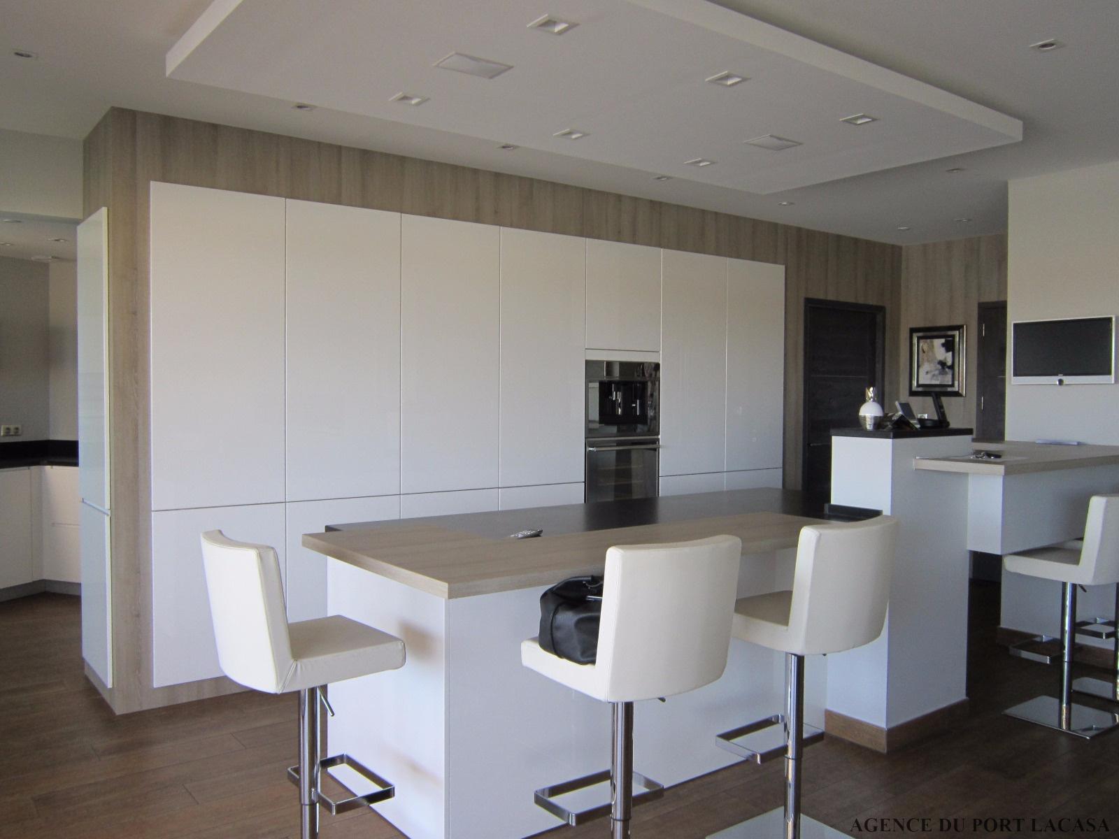 Vente extraordinaire appartement design de grand standing for Grand appartement design